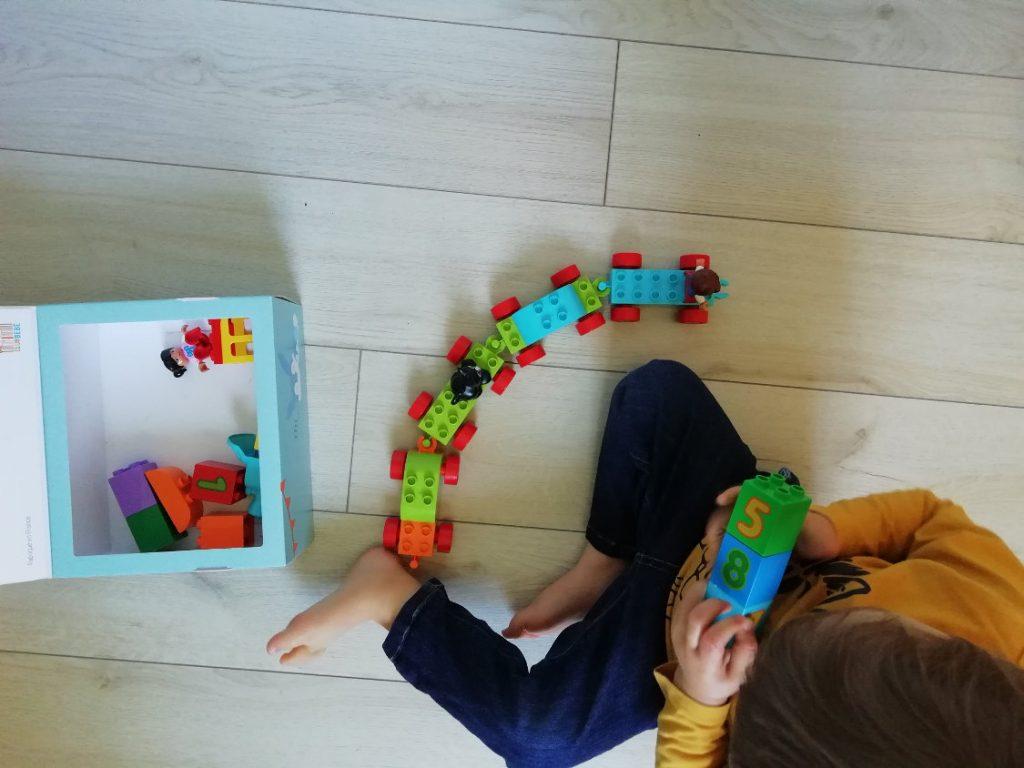 Jeu legos train pour apprendre à compter | ICy déco