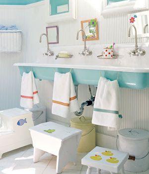 Salle de bain Montessori familiale