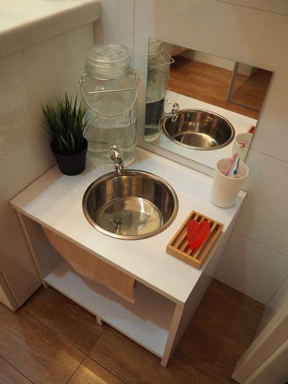 Gagner en autonomie grâce à un lavabo sur-mesure pour enfant
