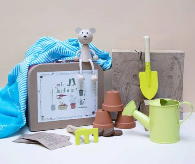 Travailler au potage surélevé devient un jeu d'enfant avec la valider du jardinier Les Petits Raffineurs