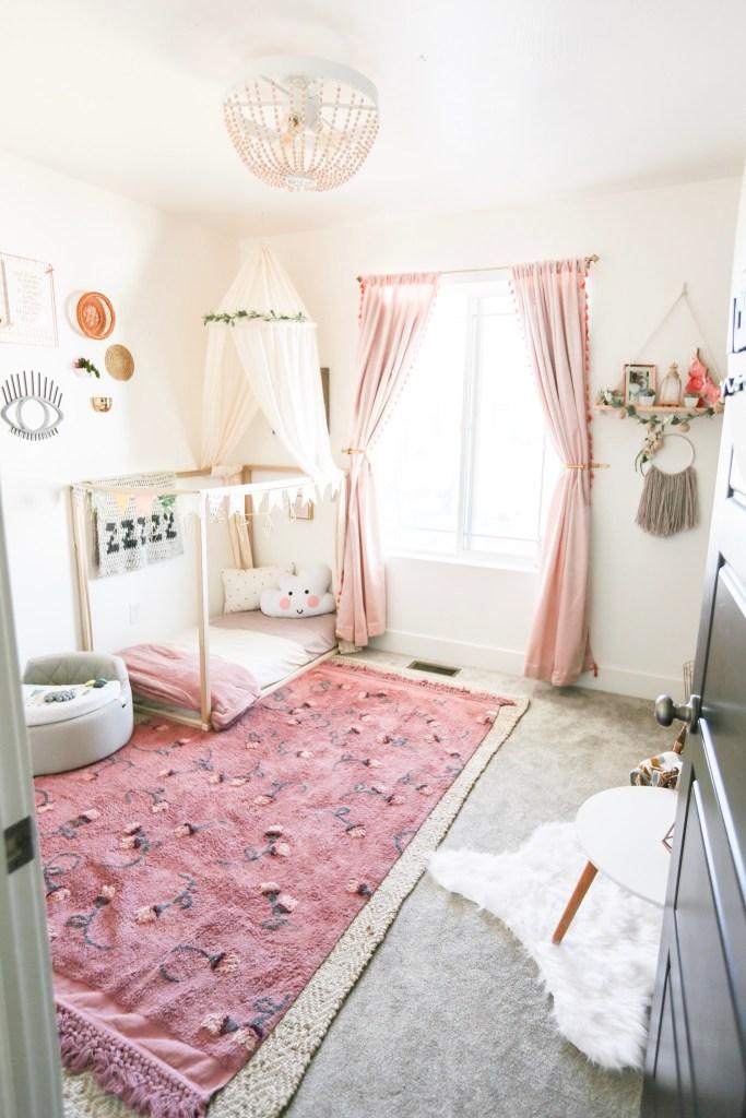 Bien placer le lit selon les ouvertures de la pièce