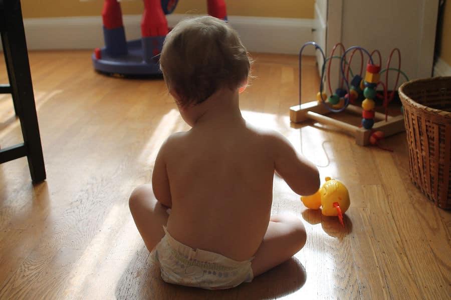 Motricité libre et bénéfices pour votre enfant (et pour vous)